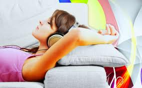 girl listneing to music